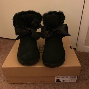 NIB UGG Gita Bow Mini Boots / Women size 6